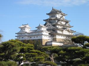 姫路城と松